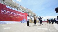 Menteri Perhubungan Budi Karya Sumadi dan Menteri BUMN Erick Thohir mengunjungi fasilitas isolasi terpusat Kapal Pelni KM Bukit Raya di Pelabuhan Belawan, Medan (dok: Pelindo I)