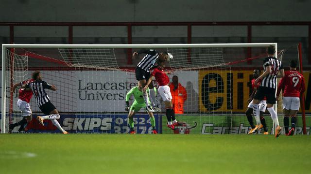 FOTO: Newcastle United Pesta Gol di Kandang Morecambe