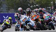 Pembalap Pertamina Mandalika SAG Team Bo Bendsneyder saat finis kelima pada balapan Moto2 Prancis di Sirkuit Le Mans, hari Minggu lalu. (Dokumentasi Pertamina Mandalika SAG Team)