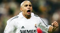 3. Roberto Carlos (Real Madrid) - Legenda timnas Brasil ini kesohor karena tendangan bebasnya yang fenomenal. Bek kiri Real Madrid mencetak 113 gol sepanjang karirnya. (AFP/Philippe Desmazes)
