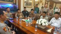 Kapolri Jenderal Idham Azis menyambangi kantor PBNU, Selasa (12/11/2019).(Liputan6.com/ Yopi Makdori)