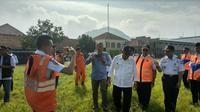 Menteri PUPR Basuki Hadimuljono tinjau kesiapan mudik di jalur selatan Jawa Barat (Foto: Liputan6.com/Maulandy R)