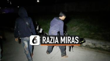 Dianggap meresahkan warga polisi merazia dan menangap sekelompok pemuda yang tengah berpsta Miras. Polisi juga menyita minuman keras dari tangan mereka. Petugas juga merazia pedagang jamu yang kerap menjual minuman keras.