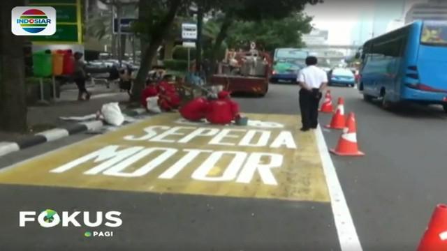 Rencananya akan dibuat 10 titik penanda jalur sepeda motor di sepanjang Jalan Tamrin hingga Medan Merdeka Barat.