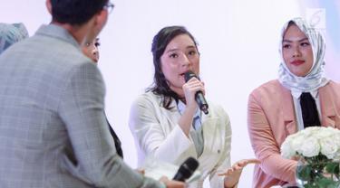 Artis Tatjana Saphira saat menjadi pembicara dalam brand ambassador salah satu produk kecantikan di Jakarta, Kamis (4/10). Tatjana Saphira mengutarakan keprihatiannya atas gempa yang terjadi di Palu. (Liputan6.com/Faizal Fanani)