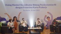 Menko Perekonomian Airlangga Hartarto saat berdialog dengan alumni Prakerja di Solo, Jawa Tengah, Jumat (18/6/2021).  (Ist)