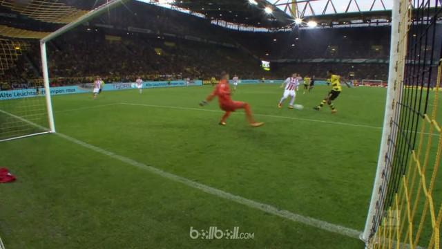 Berita video highlights Bundesliga 2017-2018 antara Borussia Dortmund melawan FC Koln dengan skor 5-0. This video presented by BallBall.