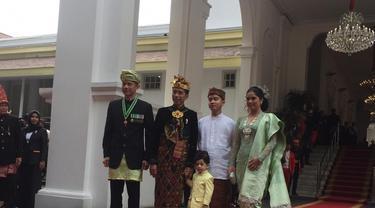 Jokowi, AHY dan Jan Ethes Berfoto Bersama Sebelum Upacara HUT ke-74 RI