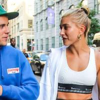"""""""Justin bahkan percaya bahwa fase bulan madu bukan hanya terjadi dalam satu waktu, namun seumur hidup. Itulah alasan ia ingin bersama dengan Hailey,"""" sambung sumber. (Hot 101.7)"""