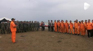 Tim gabungan menerjunkan 60 penyelam untuk mencari korban Lion Air JT 610 yang jatuh.