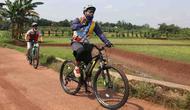 Beberapa pesepeda yang menggunakan sepeda Polygon
