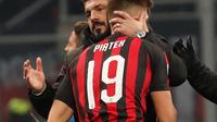 Krzysztof Piatek menjalani debutnya bersama AC Milan, pada laga kontra Napoli dalam pertandingan pekan ke-21 Serie A, di San Siro, Sabtu (26/1/2019) malam waktu setempat. (AP Photo/Antonio Calanni)