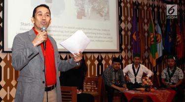 Presidium Majelis Nasional KAHMI Kamrusammad saat menjadi pembicara Peluncuran Gerakan 15.000 Wirausaha HMI di Jatinagor, Jawa Barat, Selasa (22/5). Kamrusammad menyambut baik komitmen PB HMI yang akan mencetak 15.000 wirausaha baru. (Liputan6.com/HO/Bon)