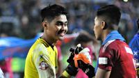 Kiper Arema FC, Kurniawan Kartika Ajie. (Bola.com/Iwan Setiawan)