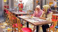 Jika Anda penggemar masakan Padang, jangan melewatkan untuk mencoba sajian unik yang ada di restoran Cikang Resto.