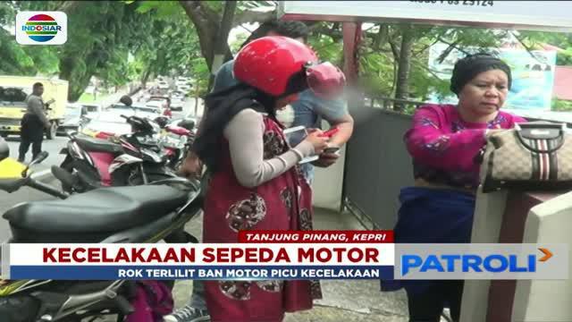 Kejadian itu membuat pegendara motor mengalami luka di bagian kepala.