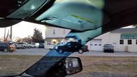 Gadis asal Pennsylvania, Amerika Serikat membuat terobosan dengan membuat pilar A pada mobil yang sebelumnya menutupi pandangan menjadi seakan tembus pandang. (Motor1)