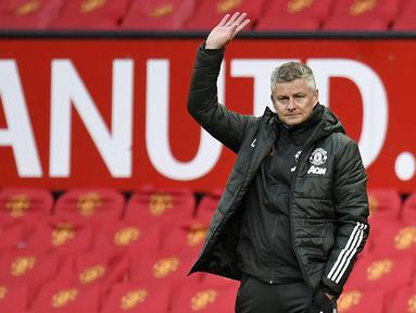 Nasib Ole benar-benar sial, kini manajemen Manchester United sedang mempertimbangkan masa depan pelatih yang sempat membesarkan nama Setan Merah dengan raihan Treble Winners. (AFP/Peter Powell)