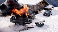 Film berjudul Spectre ini setidaknya menghancurkan tujuh unit Aston Martin DB10 dalam proses pengambilan gambar.