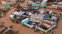 Banjir besar belum juga surut setelah badai siklon Idai menghantam, akhir pekan lalu (AFP/Adrien Barbier)