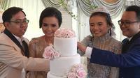 Kisah wanita kembar yang menikah diwaktu bersamaan, calon suaminya ternyata kakak-adik. (Sumber: Mothership)