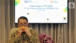 Direktur Utama BNI Royke Tumilaar pada Public Expose BNI Tahun 2020 di Jakarta, Jumat (29/01/2021). Sepanjang tahun 2020, active user BNI Mobile Banking secara year-on-year (yoy) tercatat meningkat sampai 59,6 persen dari 4.878.000 pengguna hingga menyentuh 7.787.000 pengguna. (Liputan6.com/Pool)