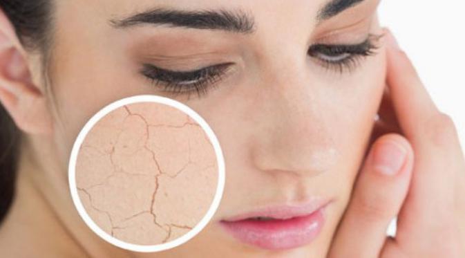 Berikut lima rutinitas kecantikan yang harus dihindari bagi Anda pemilik kulit berminyak. (Foto: iStockphoto)