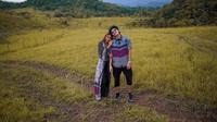 Potret Liburan Atta Halilintar dan Aurel Hermansyah di Sumba. (Sumber: Instagram/attahalilintar dan Instagram/aurelie.hermansyah)