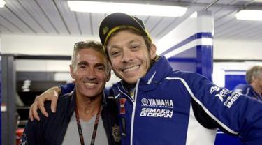 Valentino Rossi dan Mick Doohan (kiri)
