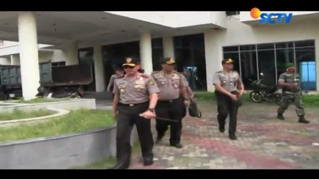 Polisi menangkap lagi dua pelaku pengeroyok pakar IT, Hermansyah, tadi malam di wilayah Bandung, Jawa Barat.