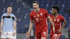 Penyerang Bayern Munchen, Robert Lewandowski berselebrasi setelah mencetak gol ke gawang Lazio dalam pertandingan leg pertama babak 16 besar Liga Champions, di Stadion Olimpico, Roma, Rabu (24/2/2021) dini hari WIB. Bayern Muenchen sukses meraih kemenangan 4-1 atas Lazio. (AP Photo/Gregorio Borgia)
