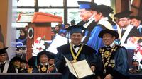 Mantan Presiden RI Jusuf Kalla mendapatkan gelar Doktor Honoris Causa untuk ke-14 kalinya. (Tim Media JK)