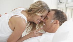 Ternyata, orang tua dengan usia di atas 50 tahun juga masih aktif melakukan hubungan seksual.