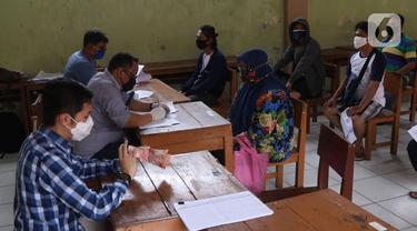 FOTO: Pemprov Banten Salurkan Bansos kepada Warga Terdampak COVID-19