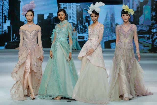 Tawaran Trend Fashion Terbaru Yang Perlu Dilihat Dari Surabaya Fashion Fimela Com