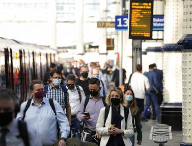 Warga London Wajib Bermasker Walau Inggris Longgarkan Aturan