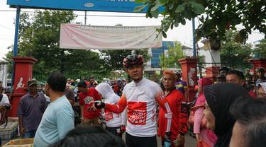 Calon Gubernur Jawa Tengah, Ganjar Pranowo, mengunjungi kawasan di KBT Semarang (Dok. Tim Ganjar)