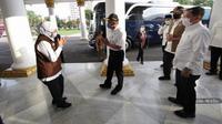 Ketua Gugus Tugas Nasional Doni Monardo bersama Menko PMK Muhadjir Effendy, Menkes Terawan Agus Putranto meninjau Hotel Grand Surabaya yang akan digunakan tempat relaksasi tenaga medis COVID-19 di Surabaya, Jawa Timur, Minggu (5/7/2020). (Dok BNPB)