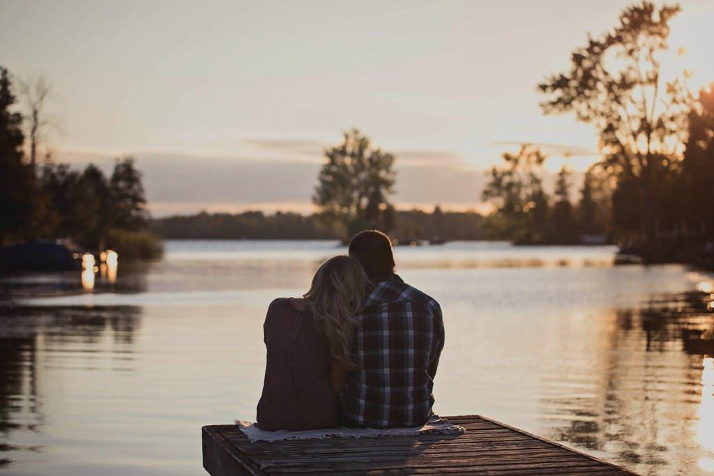 Ilustrasi relationship. (Foto: unsplash.com/Amanda Sixmit)