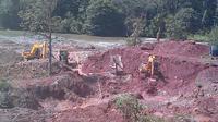 Aktivitas penambangan ilegal emas. (Liputan6.com/Bangun Santoso)
