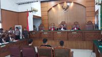 Hakim membacakan vonis terhadap 3 terdakwa kasus sabu  1 ton (Liputan6.com/ Ady Anugrahadi)