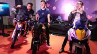 2  Artis Motorbaik Touring Lombok Naik Motor Honda Adventure. (Nazarudin Ray/Otosia.com)