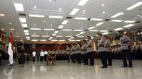 Lima kapolda dan Kabaintelkam Polri mengikuti upacara pelantikan dan serah terima jabatan (sertijab) di Rupatama Mabes Polri, Jakarta, Rabu (12/10). Pelantikan tersebut dipimpin langsung oleh Kapolri Jenderal Tito Karnavian. (Liputan6.com/Helmi Afandi)