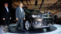 Mobil keluaran terbaru dari Chevrolet yang diperkenalkan pada GIIAS 2016 di ICE BSD City Serpong, Banten, Kamis (11/8). Chevrolet tipe all new captiva tersebut dipasarkan Rp 425 juta otr. (Liputan6.com/Helmi Fithriansyah)