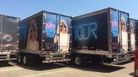 Truk pengangkut perlengkapan konser Taylor Swift (Foto: Autoweek).