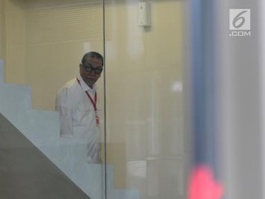 Mantan Wakil Gubernur Jawa Barat, Deddy Mizwar memenuhi panggilan penyidik KPK untuk menjalani pemeriksaan di Jakarta, Rabu (12/12). Deddy diperiksa dalam penyidikan kasus dugaan suap pengurusan izin proyek pembangunan Meikarta. (Merdeka.com/Dwi Narwoko)