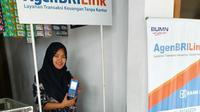 Koni Aturrohmah, agen BRILink milik PT Bank Rakyat Indonesia (Persero) Tbk atau BRI. foto: Istimewa