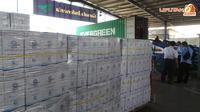 Tumpukan air zamzam jatah jemaah haji Indonesia. (Liputan6.com/Anri Syaiful)