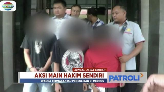 Warga Kendal keroyok seorang pria diduga gangguan jiwa karena termakan isu hoaks penculikan anak.