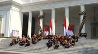 Jokowi saat mengumumkan menteri dan jajaran Kabinet Indonesia Maju. (Liputan6.com/Lizsa Egeham)